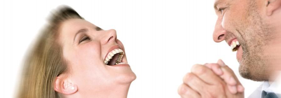 Unsichtbare oder Incognito Zahnspange